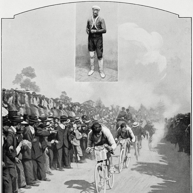 111 лет назад стартовала лучшая велогонка на земле. Через два километра на дорогу выбежал ребенок, и все упали