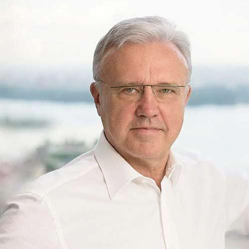 Александр Усс.